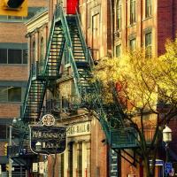 Ladders on the Massye Hall facade