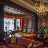 Casa Loma Living room