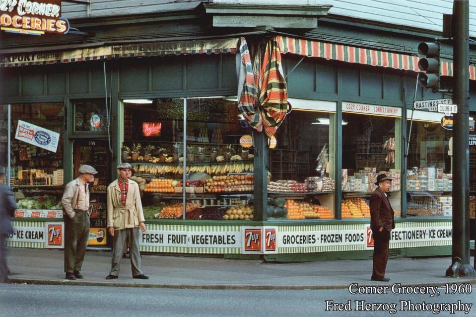 Бакалейный магазин на Восточном Хастингсе, 1968 год. (© Fred Herzog)