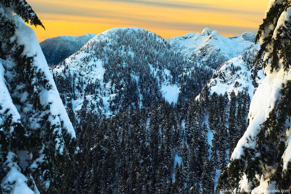 Вид с вершины Dam Mountain
