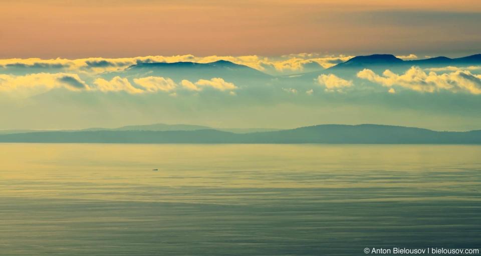 Облака над островом Ванкувер