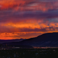 Уж увольте, но слишком красивый закат нынче в Ванкувере.
