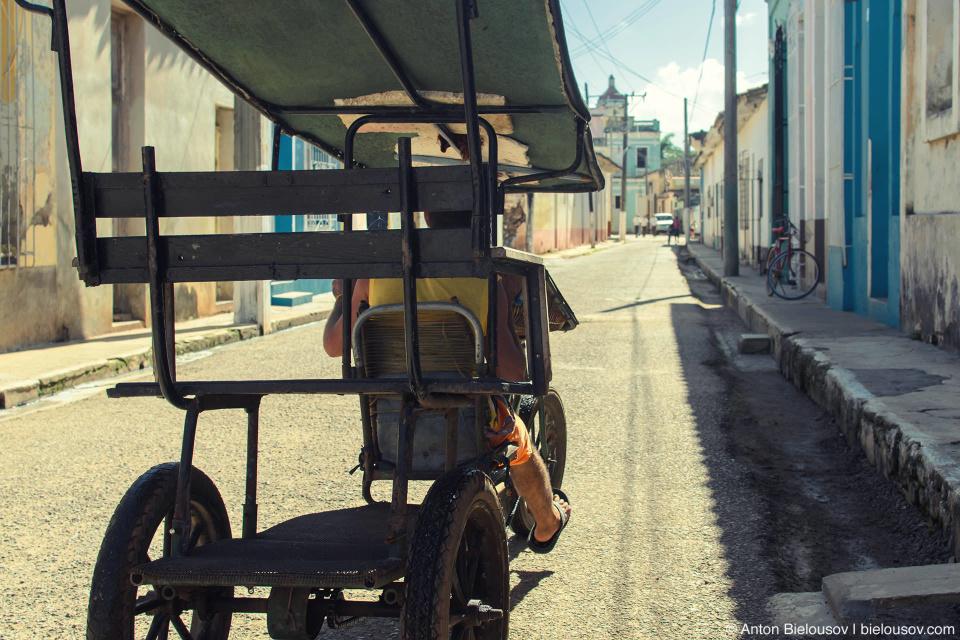 Городское такси — это тоже велосипед. Remedios, Cuba