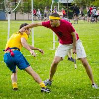 «Снитч» — по книге очень быстрый золотой мячик с крыльями, который должен поймать «кетчер» одной из команд (то, чем занимался сам Гарри Поттер) — в игре маглов очень похож на парня в желтой футболке с привязанным к спине мячиком.  Задача кетчеров состоит в том, чтобы отловить бедолагу и сорвать мячик.