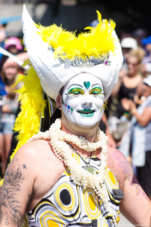Sisters of Perpetual Indulgence — Vancouver Pride Parade, 2014