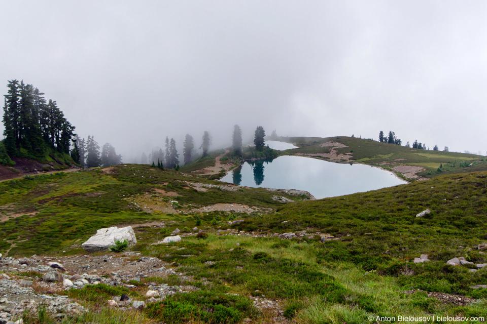 Elfin Lakes in clouds