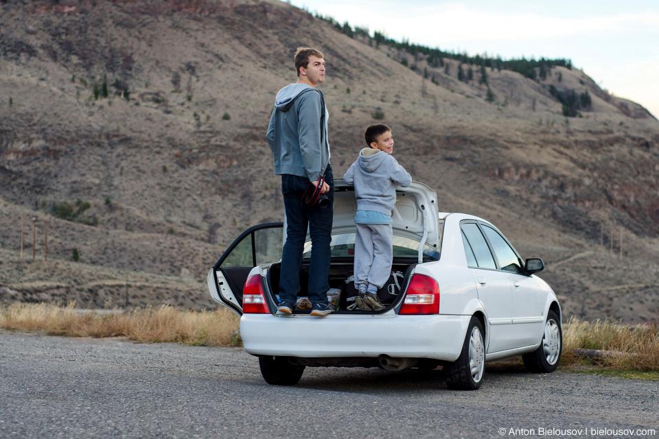Road trip: standing in Mazda's trunk