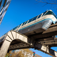 Поезд монорельса в Сиэттле