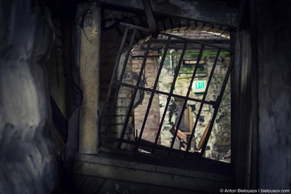 Seattle underground Tour: Bank Teller's Cage