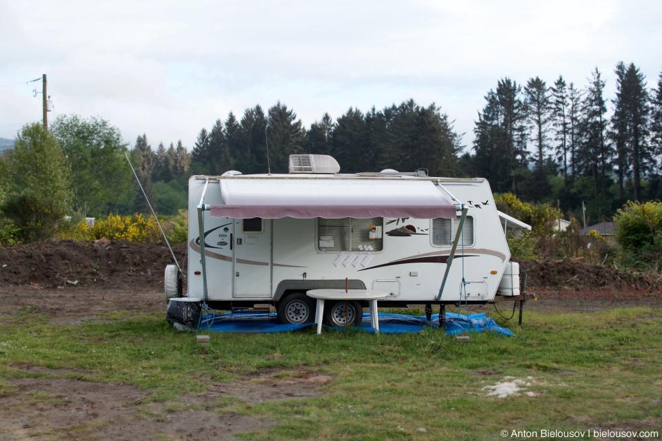 Evan's parking office (Port Renfrew, BC)