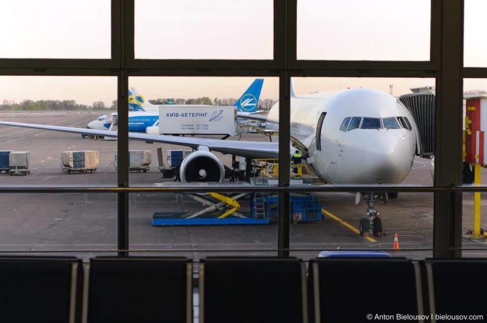 Наш Boeing 767 Киев-Торонто в аэропорту Борисполь