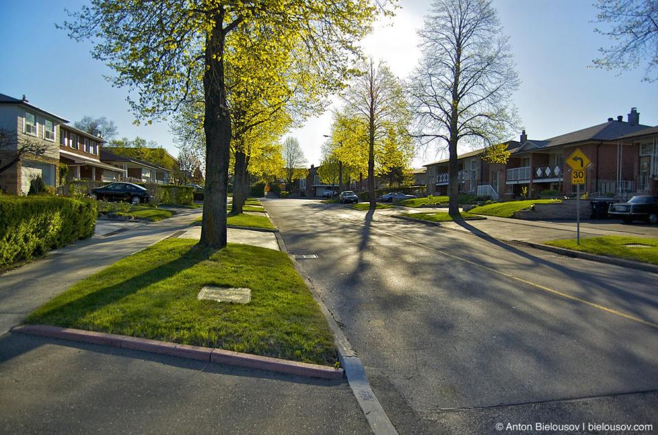 Morning in Toronto Pleasantview Neighborhood