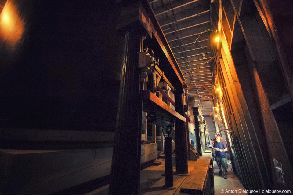 Toronto Distillery Lane Equipement