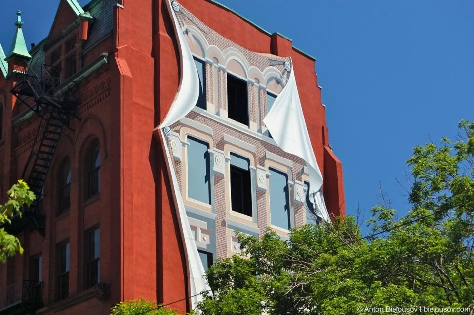 Artwork on Toronto Iron Building