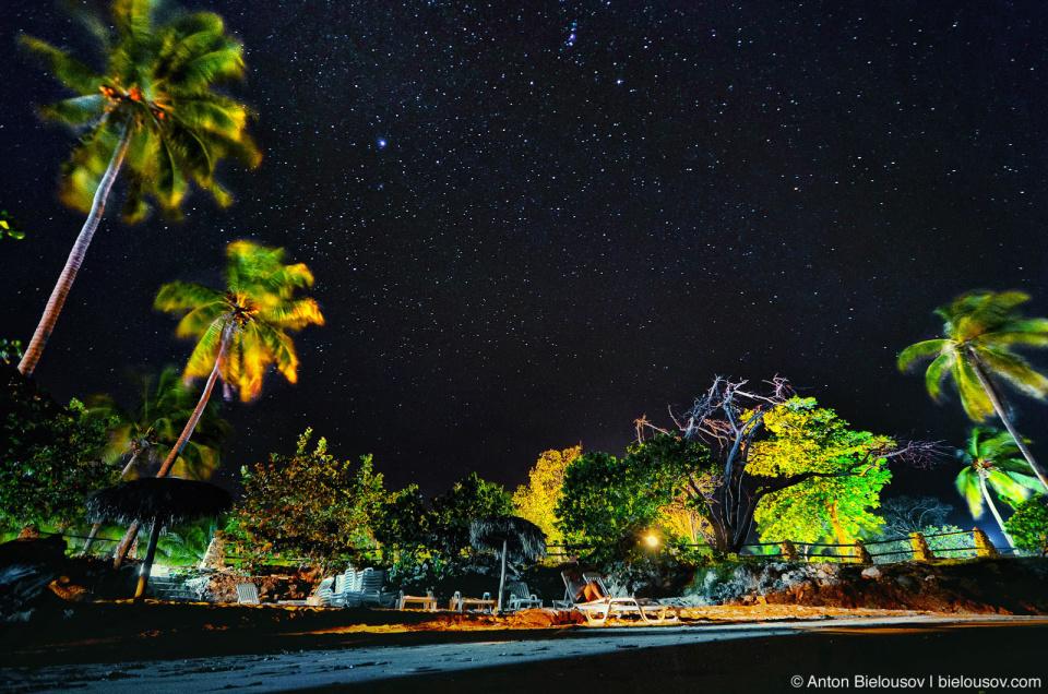 Кубинское ночное небо (пляж в Гуардалаваке)