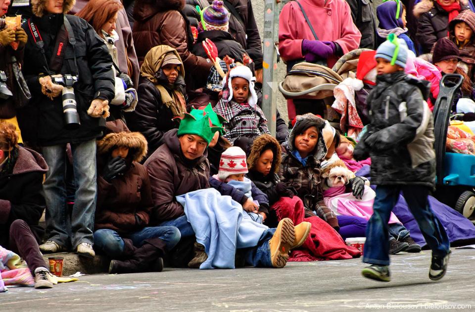 People crowd at the Santa Claus Parade, Toronto 2010