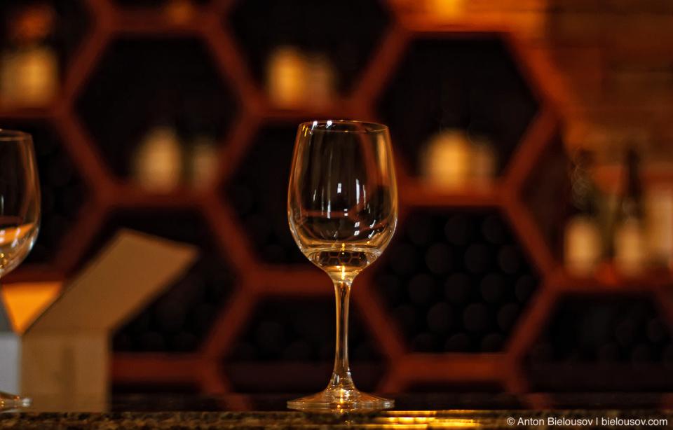 Бокал медового вина в Niagara Wine Country