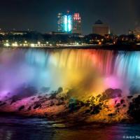 Niagara Falls at night, view from Canada