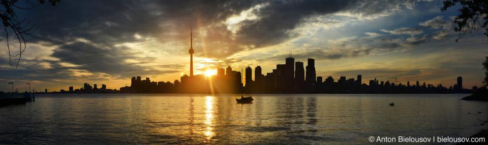 Free 67MP Toronto Dusk Skyline Panorama