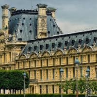 Дворец Лувр, Париж