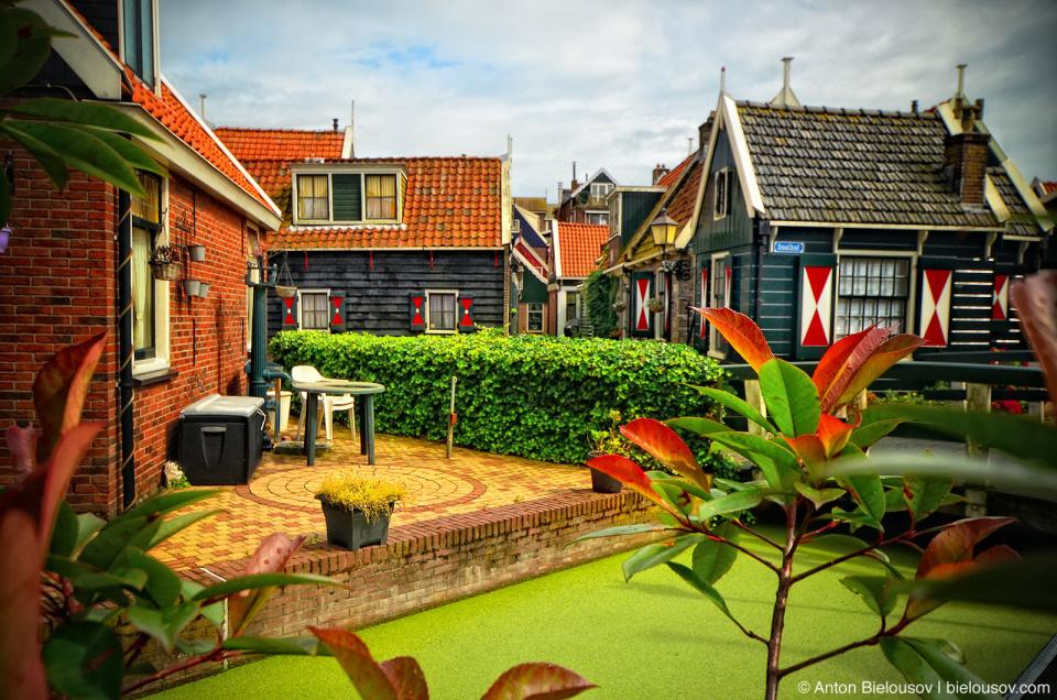 Volendam Old Houses