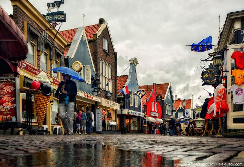 Volendam портовая улица