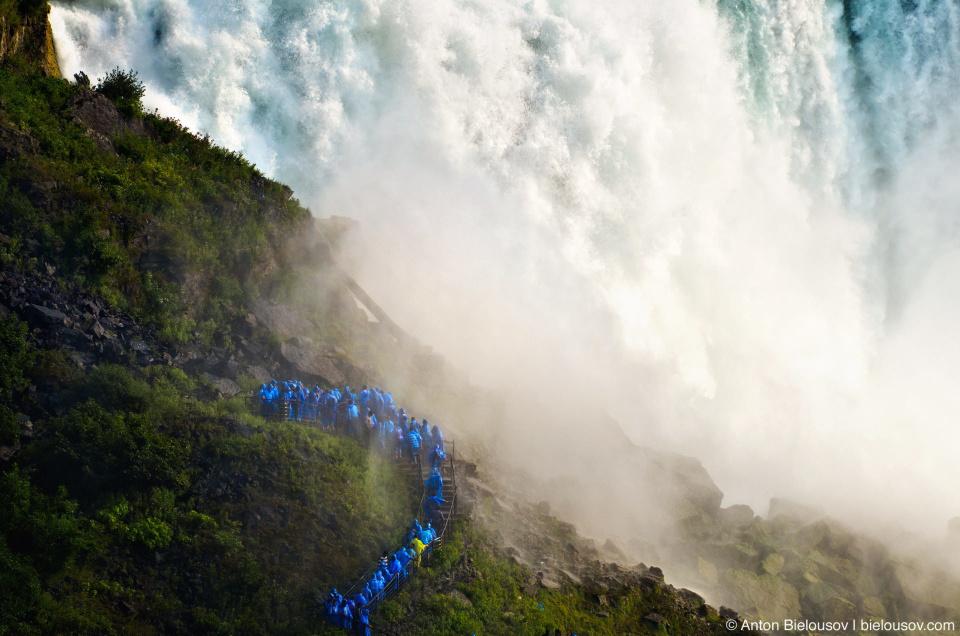 Cave of the Wind на американской стороне Ниагарского водопада