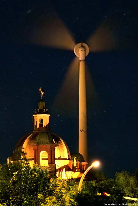 Radioactive Exhibition Place Windmill Nightshot in Toronto