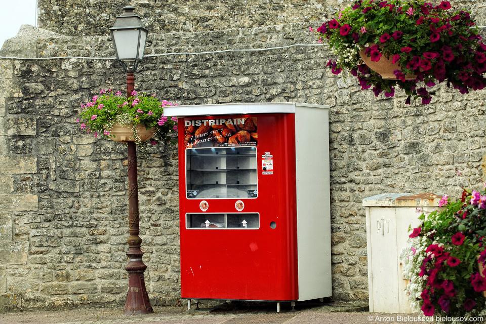 Colleville-sur-Mer bread dispenser