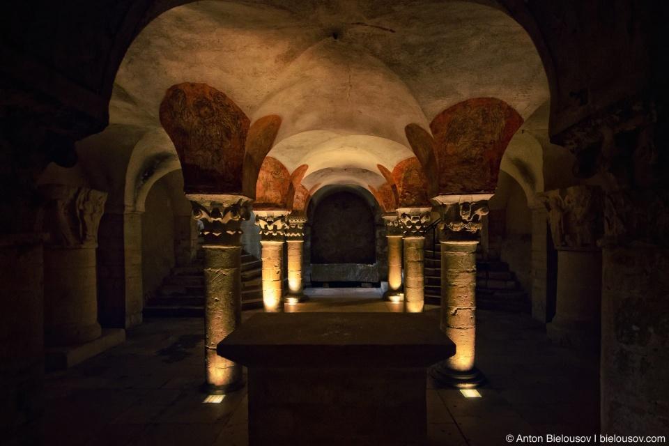Notre-Dame de Bayeux Basement