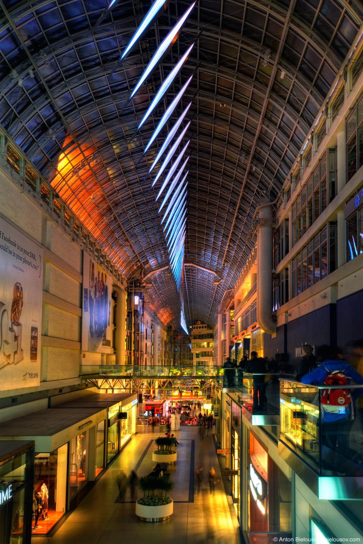 Nuit Blanche: Eatons Centre Splitstream LED Installation