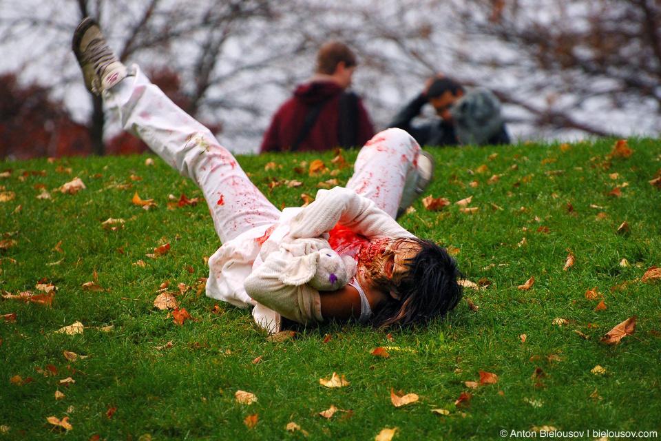 Toronto Zombie Walk — Undead Hill Rolling