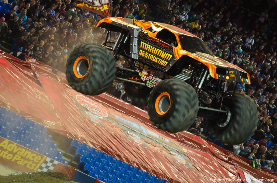 Maximum Destruction Monster Truck (Monster Jam Tour, Toronto, 2012)
