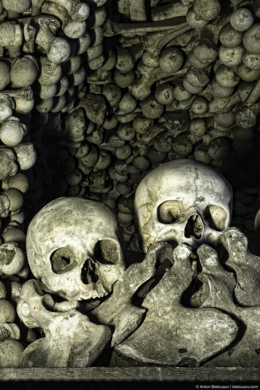 Kostnice — Sedlec Ossuary in Kutna Hora, Czech Republic