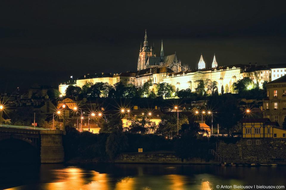 Prague, St. Vitus Cathedral at night
