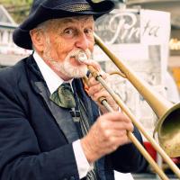Пражский уличный музыкант