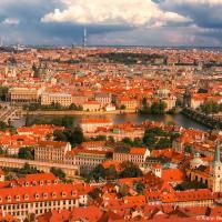 Прага: панорама с красными крышами