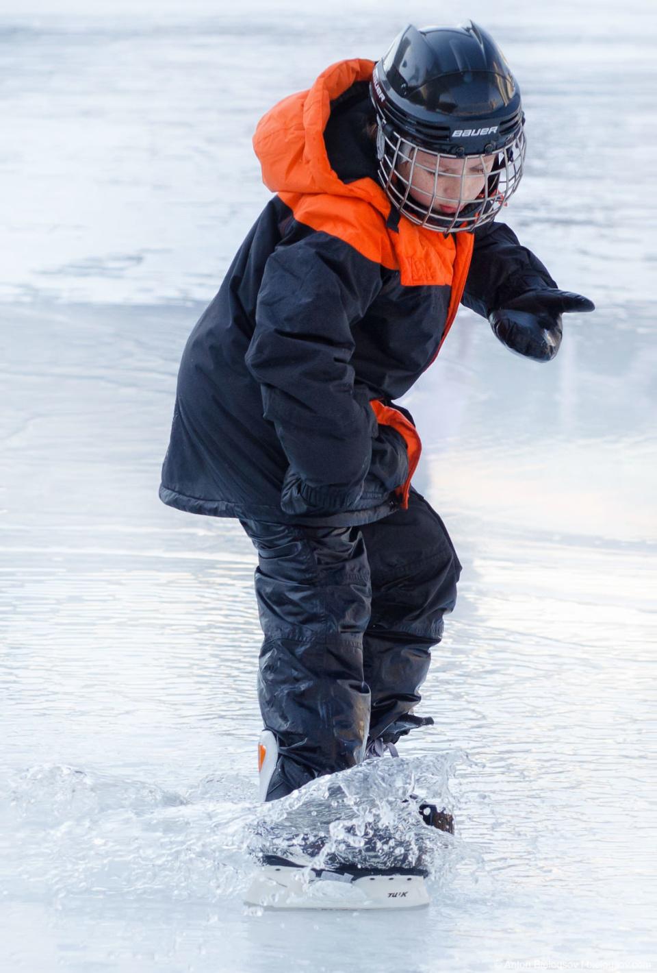 Катание на коньках по воде