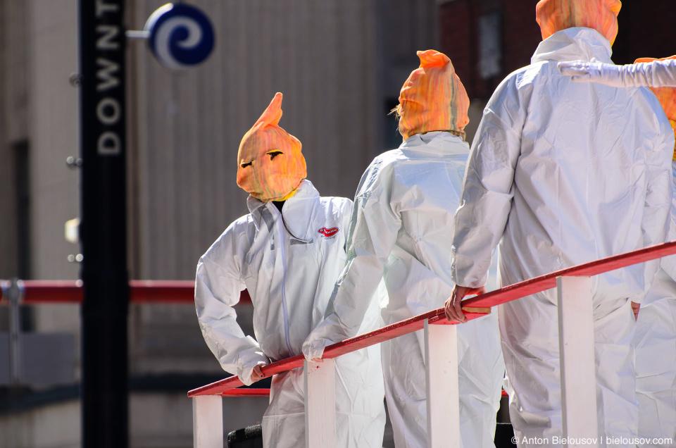 Merilyne Monroe team costumes at Toronto St. Patrick Parade