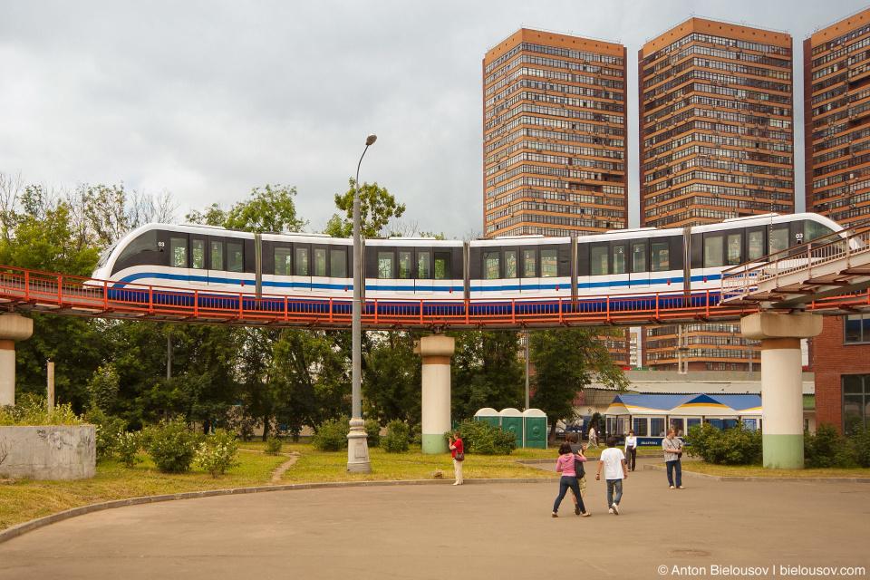 Разворот монорельса на старции Тимирязевская в Москве