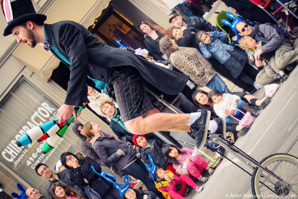 Juggler at easter parade in Toronto (April 8, 2012)