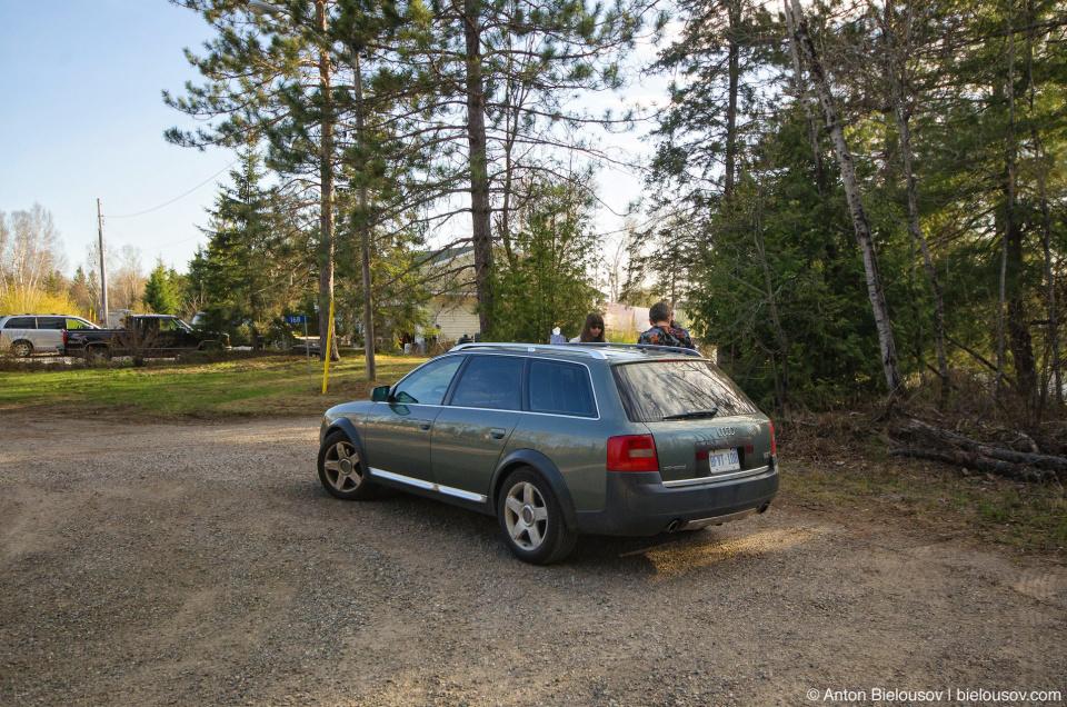 Инукшусик на стоянке (Audi A6 Allroad Quattro)