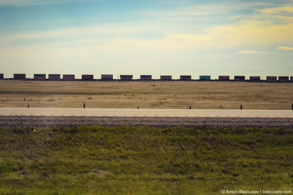 Альберта: пезаж с поездом