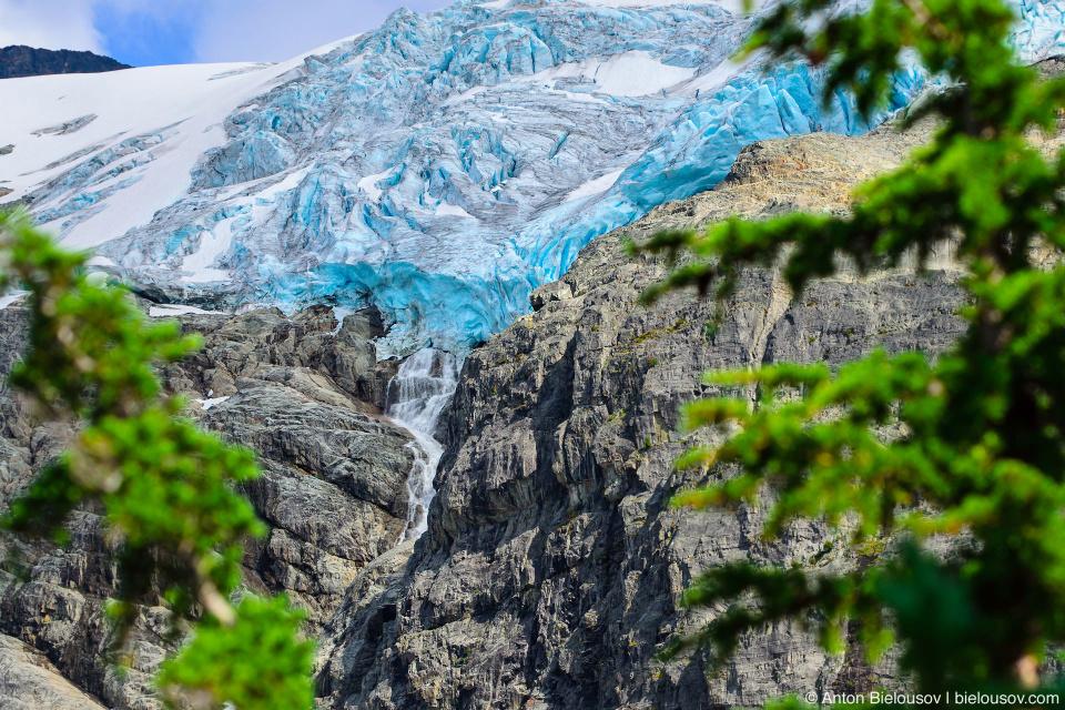 Matier Glacier at Joffre Lakes Provincial Park (Canada, BC)