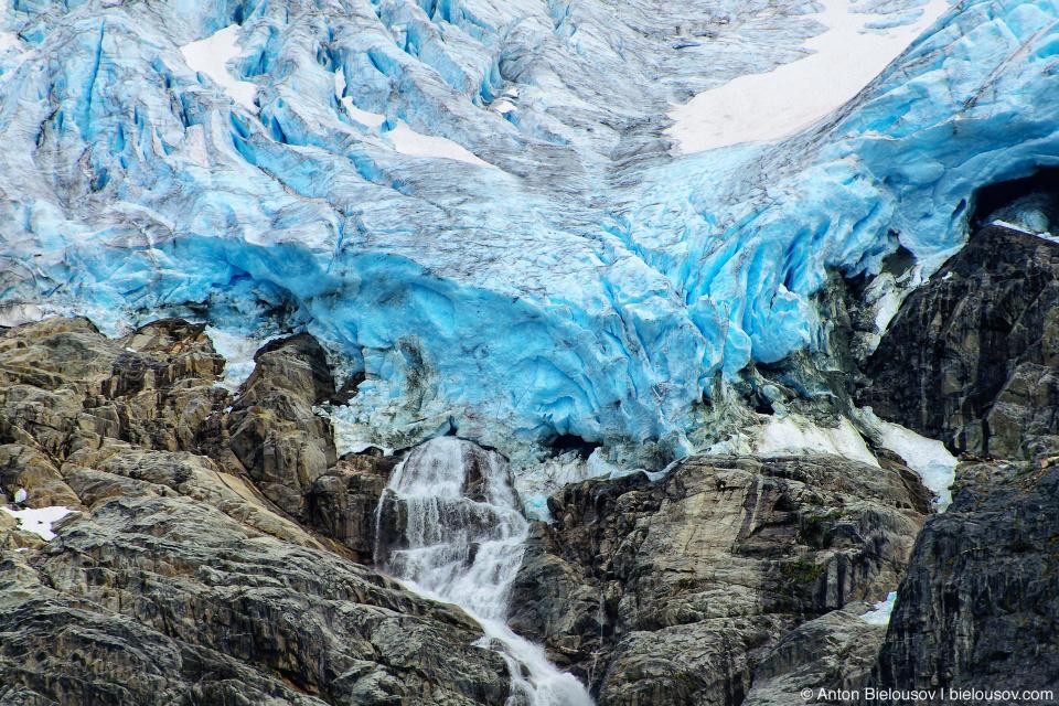 Matier Glacier (Joffre Lakes Provincial Park. Canada, BC)