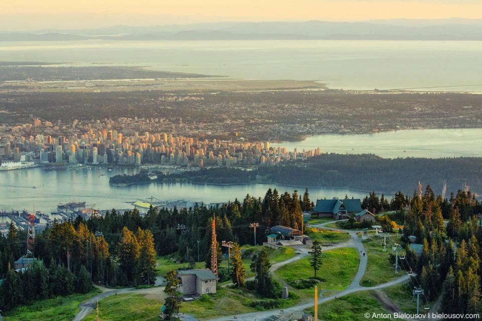 Вид на Ванкувер с Grouse Mountain