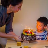 Торт (Black forest) со свечами на 6 лет (Ванкувер, 2012)