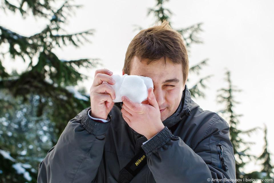 Фотоаппарат из снега