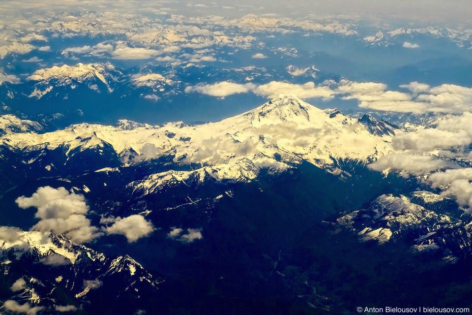 Гора Baker Mountain: фото с самолета