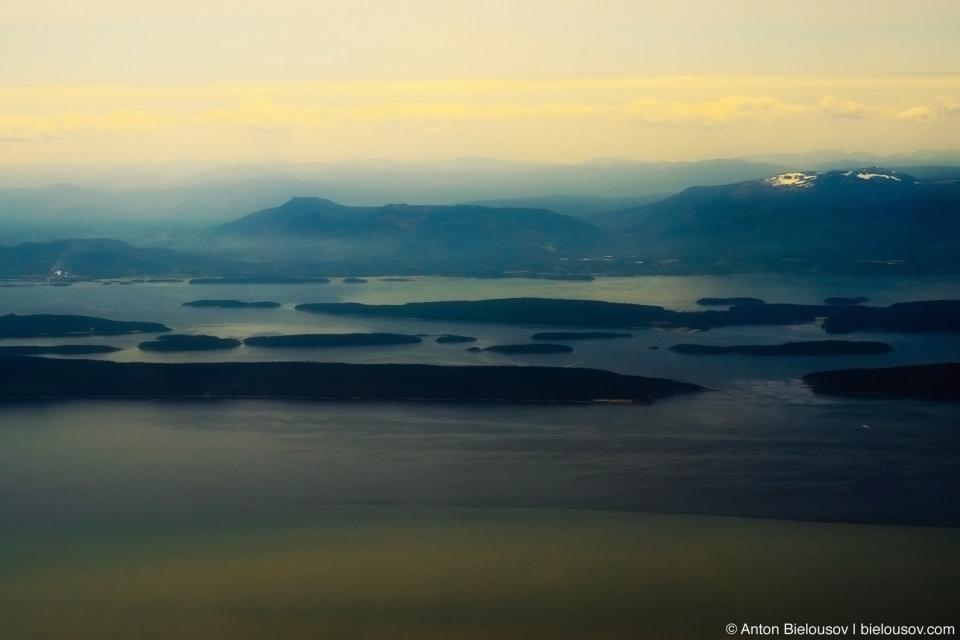 Вид с самолета на остров Ванкувер (Vancouver Island)